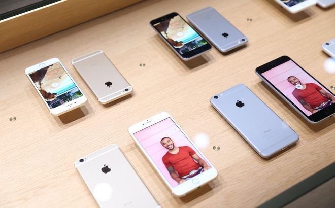 iPhone 5C 16 GB gia 2,5 trieu dong hut khach Viet hinh anh