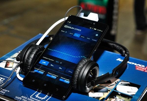 Lenovo A7000 - smartphone danh cho gioi tre da ve Viet Nam hinh anh