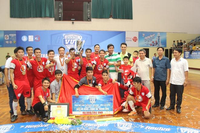 Đại học Công Nghiệp TP HCM là nhà vô địch toàn quốc bộ môn bóng đá mùa giải Revive VUG 2015.
