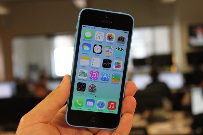 iPhone 5C 16 GB Lock gia 2,5 trieu dong hut nguoi dung hinh anh