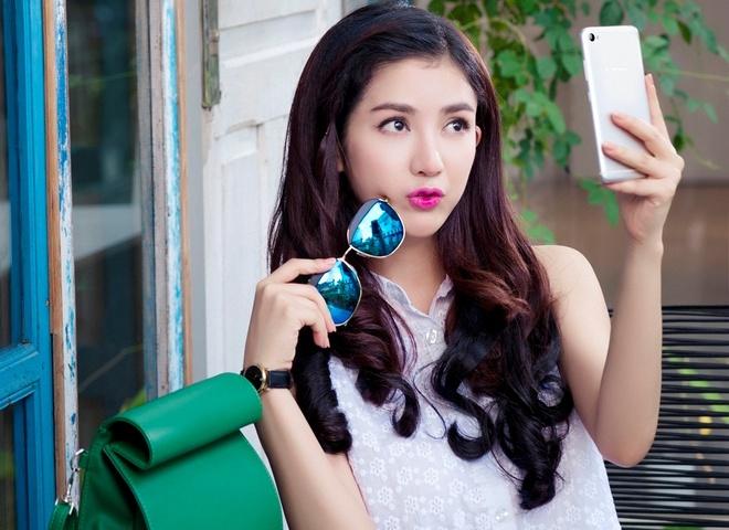 Bi kip chup anh selfie hut like cua hot teen Viet hinh anh