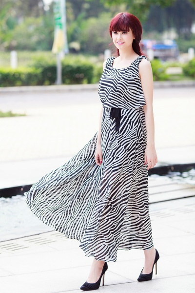 Street style thanh lich va goi cam cua Truong Quynh Anh hinh anh 11