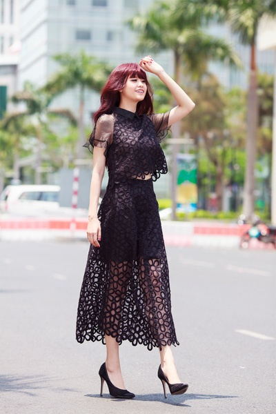 Street style thanh lich va goi cam cua Truong Quynh Anh hinh anh 6