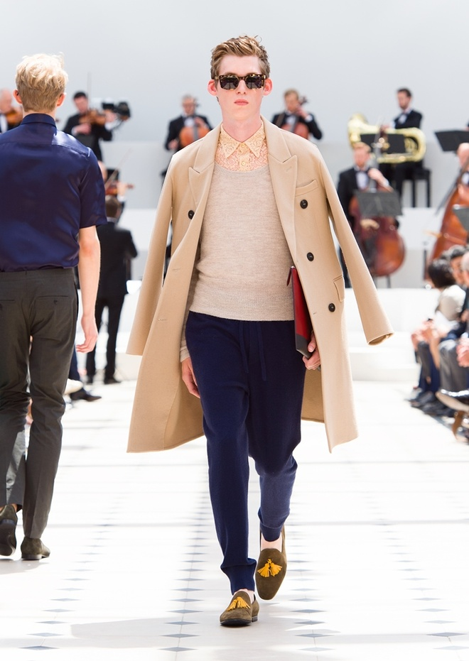 Burberry Prorsum Nam Xuan He 2016: Triet ly song cham hinh anh 6
