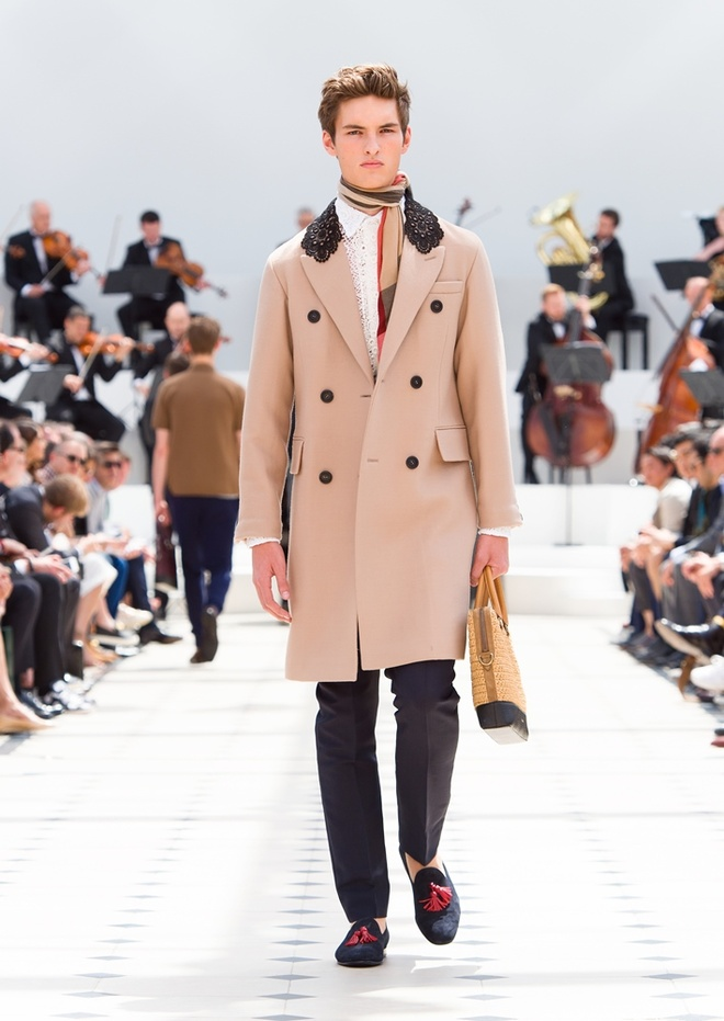 Burberry Prorsum Nam Xuan He 2016: Triet ly song cham hinh anh 3