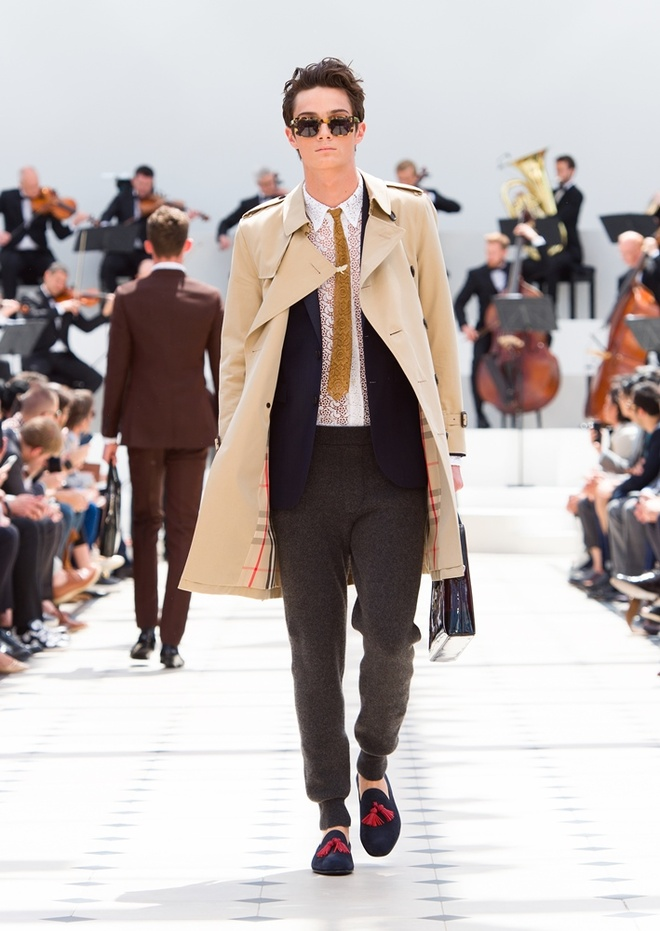 Burberry Prorsum Nam Xuan He 2016: Triet ly song cham hinh anh 1
