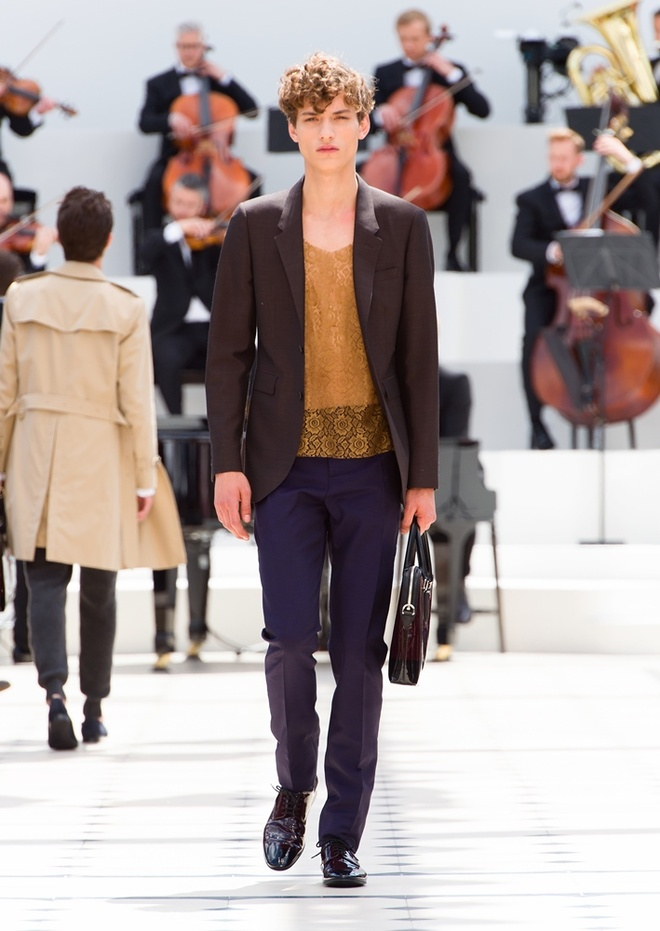 Burberry Prorsum Nam Xuan He 2016: Triet ly song cham hinh anh 10