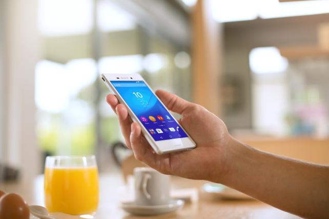 Xperia M4 Aqua Dual: Smartphone manh me, pin ben hinh anh
