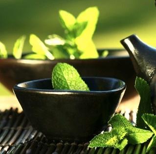Trà xanh có các chất chống oxy hóa, chống viêm nên rất được phụ nữ Nhật yêu thích và tin tưởng sử dụng.