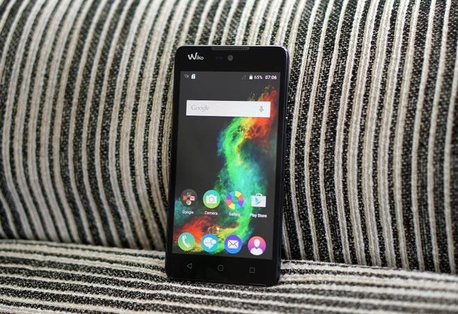 4 smartphone chuyen selfie danh cho gioi tre hinh anh