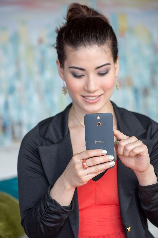 HTC One E8: Smartphone tien dung cho ban tre yeu du lich hinh anh 3 HTC One E8 dual sim tích hợp 2 SIM, 2 sóng.