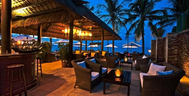Diem den 5 sao hap dan mua he hinh anh 4 Một góc nhà hàng tại Victoria Hội An Beach Resort & Spa (Ảnh: ninetyeast.co.uk).