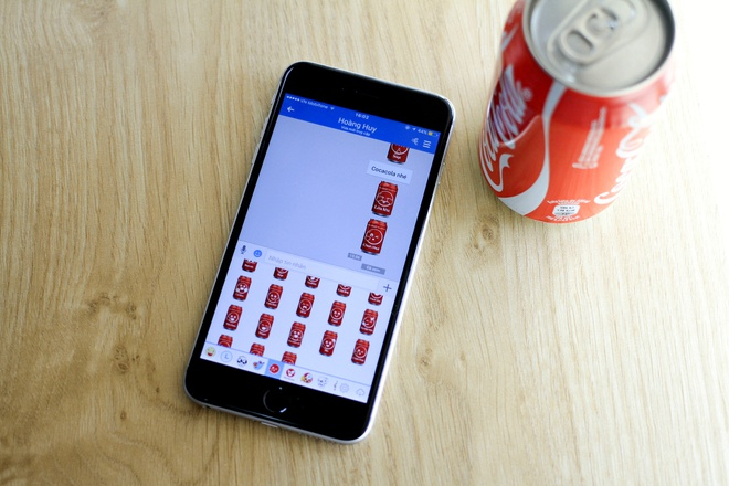 Coca-Cola bat tay Zalo tung bo sticker dac biet cho gioi tre hinh anh