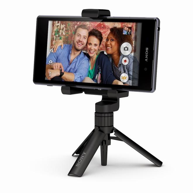 Nguoi dung hao huc mua Sony Xperia Z1 gia 2,9 trieu dong hinh anh 5 chân dựng máy ảnh được thiết kế