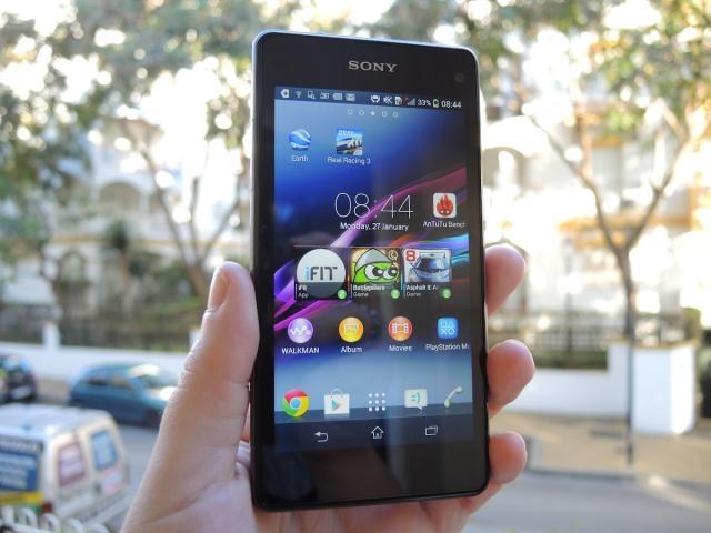 Nguoi dung hao huc mua Sony Xperia Z1 gia 2,9 trieu dong hinh anh