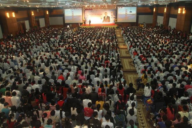 Hội thảo 3000 người của TS AJ Hoge