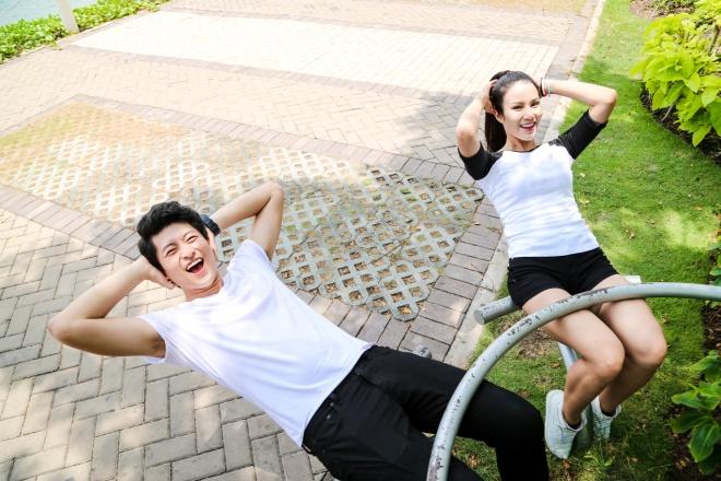 Tập thể dục để khởi động ngày mới hứng khởi.
