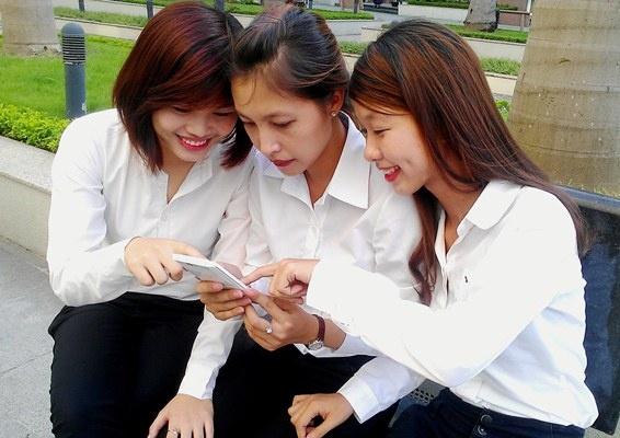 iNew: Smartphone man hinh lon 5,5 inch danh cho ban tre hinh anh