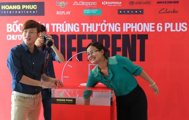 Nhan iPhone 6 Plus khi mua sam tai Hoang Phuc hinh anh