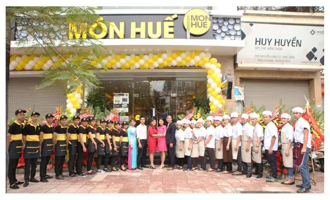 Nha hang Mon Hue mung khai truong chi nhanh thu 90 hinh anh