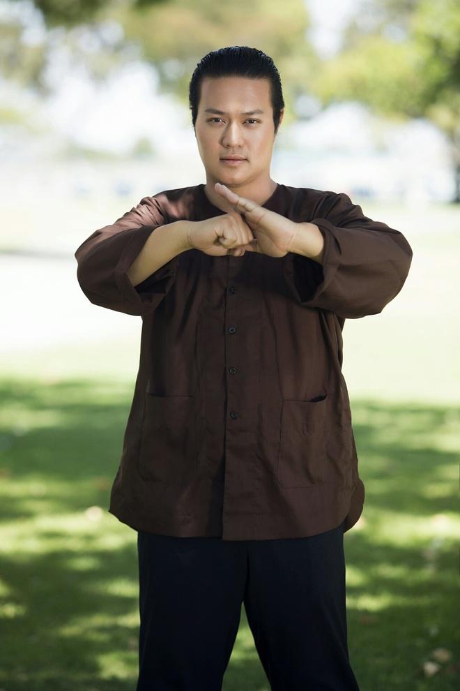 Ong bau Minh Chanh khoe kha nang vo thuat Kungfu hinh anh 2