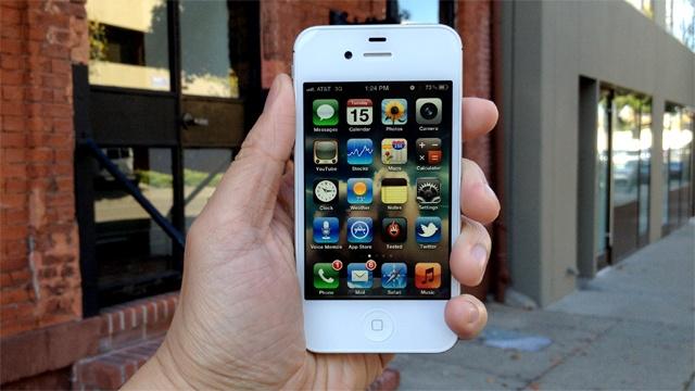 iPhone 4S ban chay hon iPhone 6 o Viet Nam hinh anh