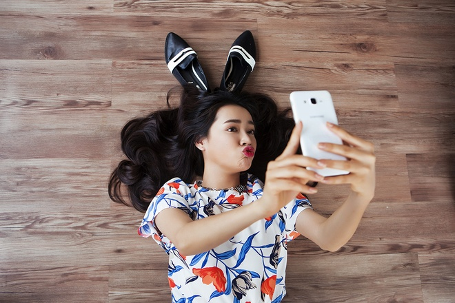 Nha Phuong, Slim V va Min St 319 khoe anh selfie tinh nghich hinh anh