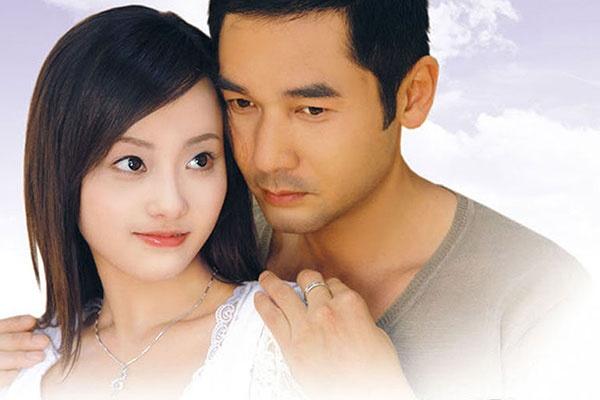 Sao nam TVB viet chuyen tinh dep cung my nhan kem 24 tuoi hinh anh