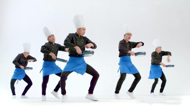 19 dieu nhay 'ba dao' cua Isaac khien fan phan khich hinh anh 3 Isaac đã có sở thích mới: vừa nấu ăn, vừa sáng tạo vũ đạo.