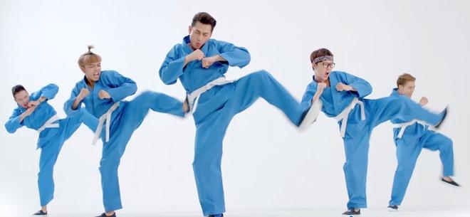 19 dieu nhay 'ba dao' cua Isaac khien fan phan khich hinh anh 8 Để khoe với fan những vũ đạo ngộ nghĩnh này, Isaac đã quay lại 19 điệu nhảy bằng chiếc điện thoại Samsung Galaxy J1 pin trâu.
