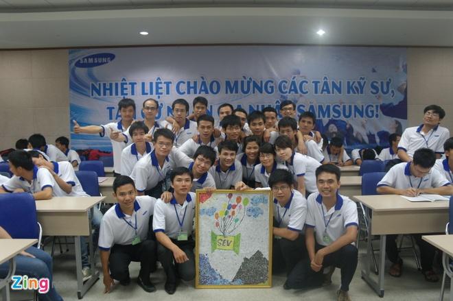 Samsung tich cuc dao tao ky nang nghe cho nhan vien hinh anh 1 Những nhân viên mới được nhận vào nhà máy đều phải trải qua những khoá huấn luyện đặc biệt của Samsung
