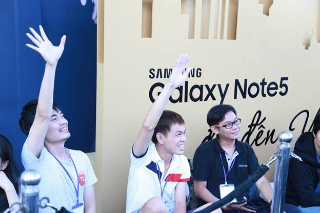Fan Viet hao hung chao don Galaxy Note 5 hinh anh