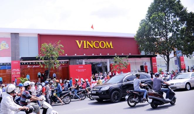 Vingroup khai truong TTTM Vincom Quang Trung tai TP HCM hinh anh 3