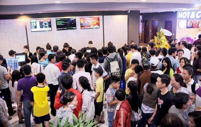 Vingroup khai truong TTTM Vincom Quang Trung tai TP HCM hinh anh 8