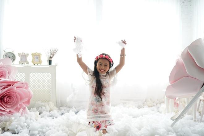 Ruby Bao An tung MV truoc them nam hoc moi hinh anh