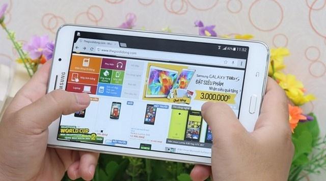 3 model Galaxy Tab thu hut dan van phong hinh anh 3 Galaxy Tab 4 7 inch có giá 4,99 triệu đồng tại thegioididong.com.