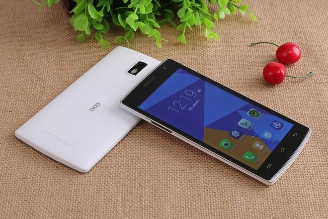 DCO 580: Smartphone thiet ke thoi trang tam gia 4 trieu dong hinh anh
