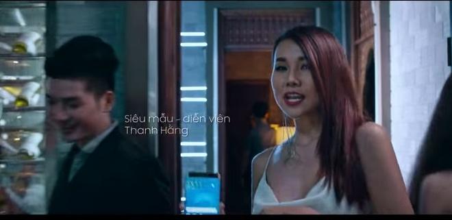 Thanh Hang, Kim Ly dung dien thoai gi? hinh anh