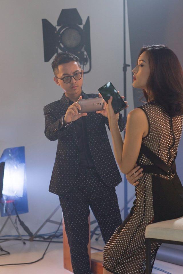 Ha Vy khoe anh chup thoi trang bang smartphone hinh anh 4 Gần đây cô hợp tác với Bobby Nguyễn - tay máy cá tính, có phong cách chụp đậm chất thời thượng.