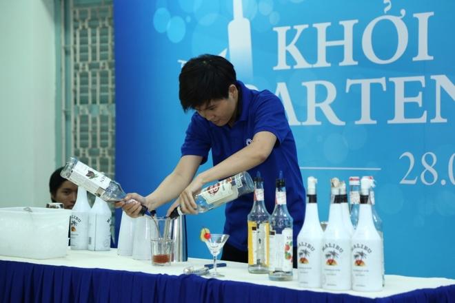 Tuyen sinh chuong trinh 'Khoi nghiep Bartender 2015' hinh anh