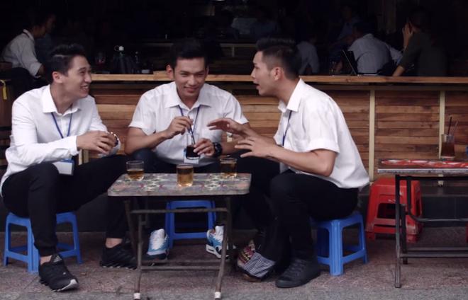 Hoai Linh gay chu y khi xuat hien cung dan trai dep hinh anh 8