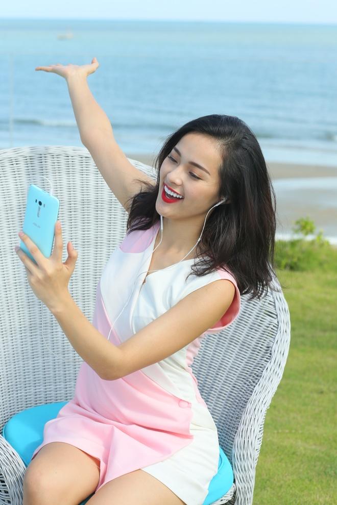 Bo anh tuoi tre cua nguoi mau Ha Vy voi ZenFone Selfie hinh anh 7 Hoặc selfie cùng phong cảnh tuyệt vời bằng khung hình panorama.