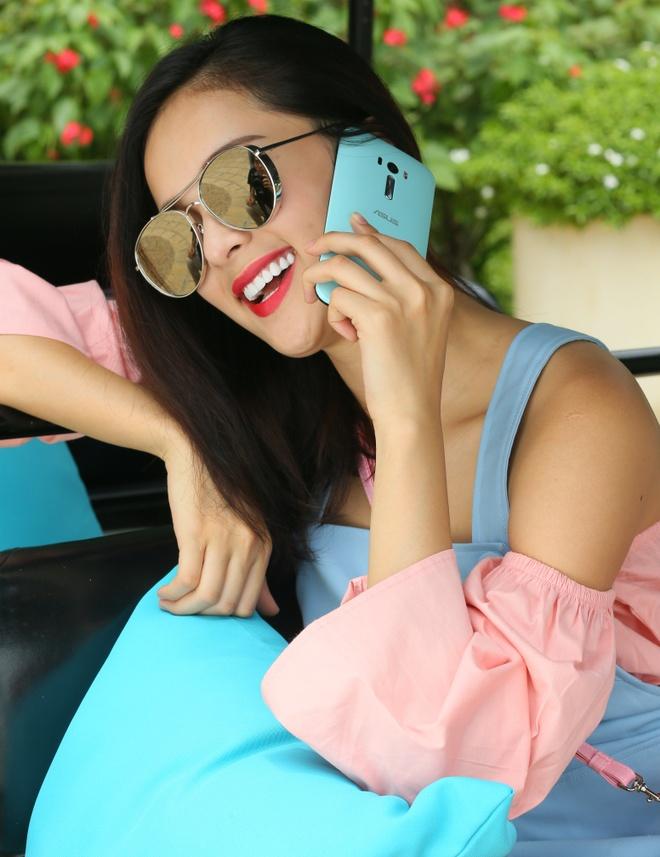 Bo anh tuoi tre cua nguoi mau Ha Vy voi ZenFone Selfie hinh anh 5 Ngoài ra, Hạ Vy còn ấn tượng với bộ đôi camera 13 megapixel, hỗ trợ chụp ảnh và selfie mọi lúc, mọi nơi.