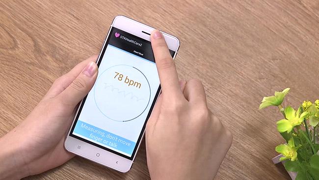 Arbutus AR5 - smartphone cong nghe Nhat, thiet ke mong hinh anh
