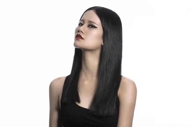 Thoi trang toc sanh dieu cua quan quan VNTM 2015 hinh anh 5 Hương Ly sắc sảo trong kiểu tóc straight smooth.
