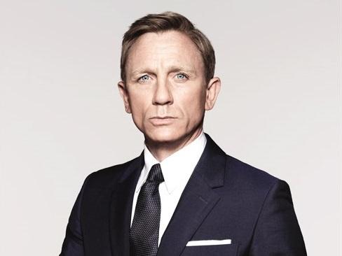 Daniel Craig - James Bond tu phim anh den doi thuc hinh anh