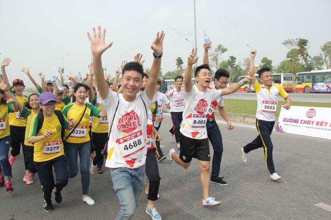 Hoang Thuy Linh quay sung tai 'Duong chay ket noi' hinh anh