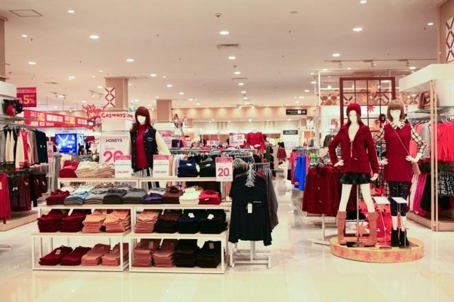 Kham pha nhung gian hang trong Aeon Mall Long Bien hinh anh 5 Đầu tiên là thời trang với nhiều thương hiệu độc quyền chỉ có tại Aeon, nhập khẩu từ Thái Lan, Nhật Bản, Malaysia như Honeys, Pendora, New Press,…
