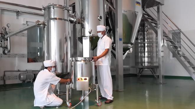 Doanh nghiep phat trien nho hien dai hoa y hoc dan gian hinh anh 2 Nhà máy sản xuất với công nghệ hiện đại.