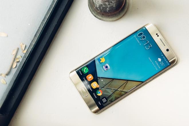 5 yeu to giup Galaxy S6 edge+ duoc long nguoi dung tre hinh anh 1 Nhiều người dùng trẻ, đặc biệt là phái nữ, xem Galaxy S6 edge+ như món phụ kiện thời trang hiện đại, hợp xu hướng.